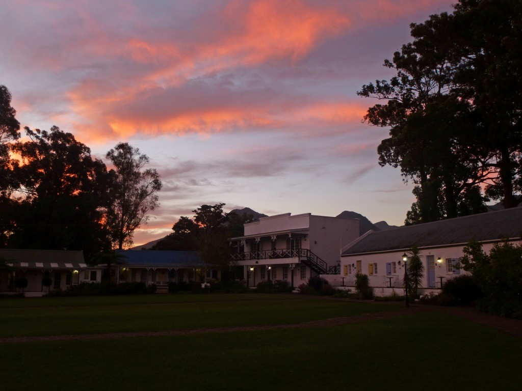 9 Unsere Lodge im Abendrot